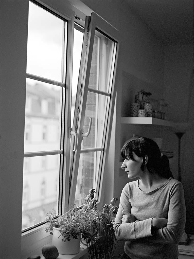 Im Zimmer - Portraitfoto Constanze 5