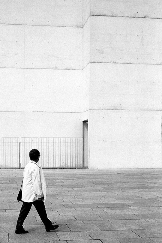 Alleine - Street Photography Fotograf Uwe Nölke